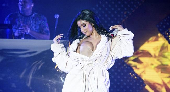 Security guard filed a lawsuit against Cardi B