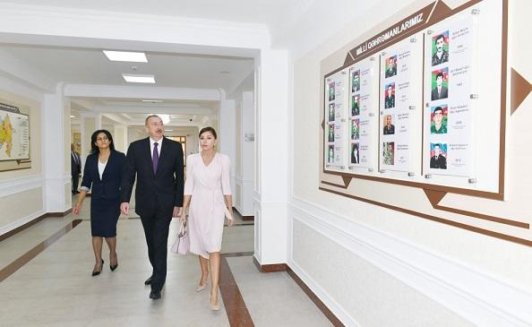 Prezident və xanımı yeni tədris kompleksinin açılışında - Foto