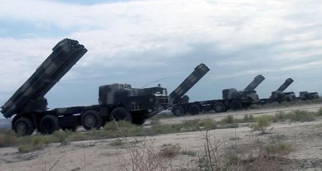 Войска занимают районы сосредоточения - Видео