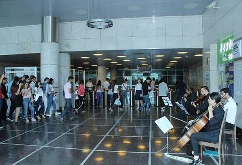 Sabah metroda konsert olacaq