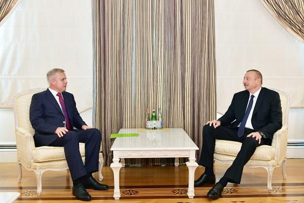 President Ilham Aliyev received Stanislav Zas