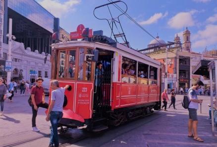 ایستانبولون اولمازسا اولمازی -مشهور «تاکسیم» میدانی