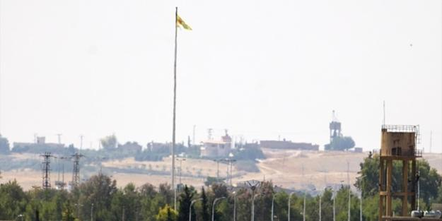 YPG/PKK replaces flag with new one in Syria