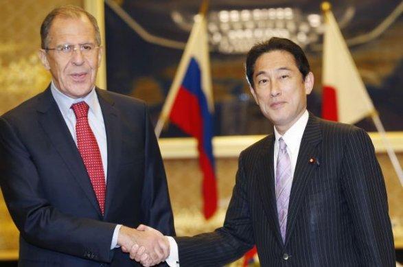 Главы МИД Японии и России обсудят мирный договор