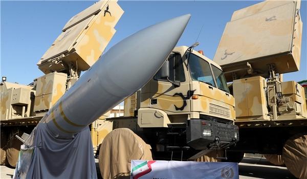В Иране показали баллистическую ракету с новой боеголовкой