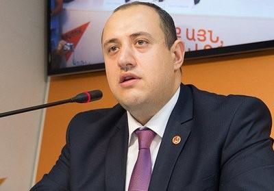 Акопян: мы должны на 20% стать евреями, срочно