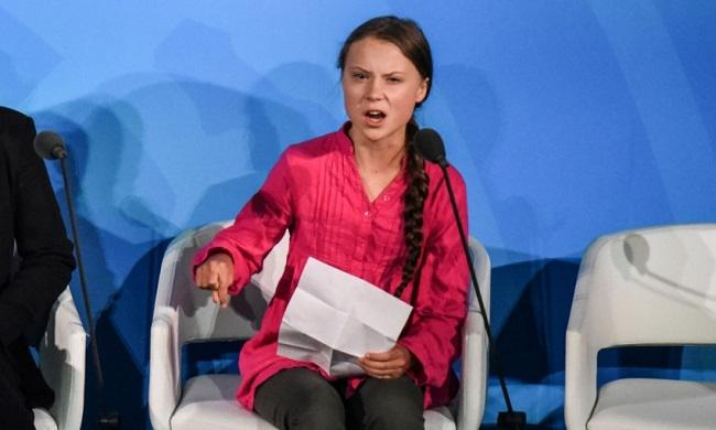 Greta Thunberg mobbed at UN climate talks