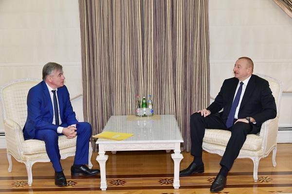 İlham Əliyev fransız senatorla görüşdü