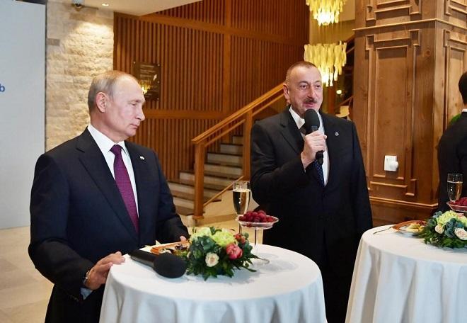 İlham Əliyev Putinlə danışdı