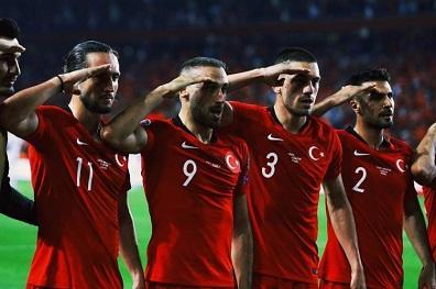 """Türk komandosların idmançılara """"salam"""" cavabı - Video"""