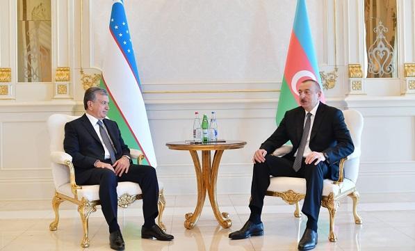 Мирзёев Алиеву: Министр в самолете сказал мне...
