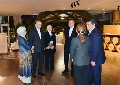 İlham Əliyev dövlət başçılarının şərəfinə ziyafət verdi - Foto