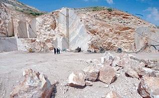 سولدوزدا ایلده ۷۰ تون معدن داشلاری ایستحصال ائدیلیر