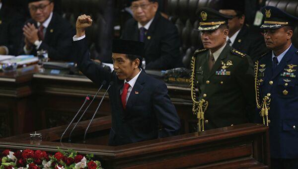 Президент Индонезии вступил в должность