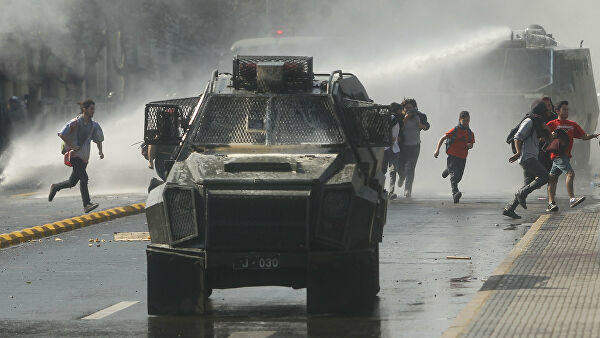 В Чили протесты переросли в столкновения