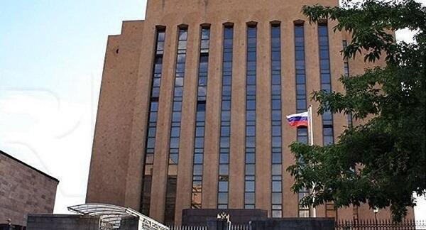 Акция у посольства: армяне угрожают депутату Виноградову
