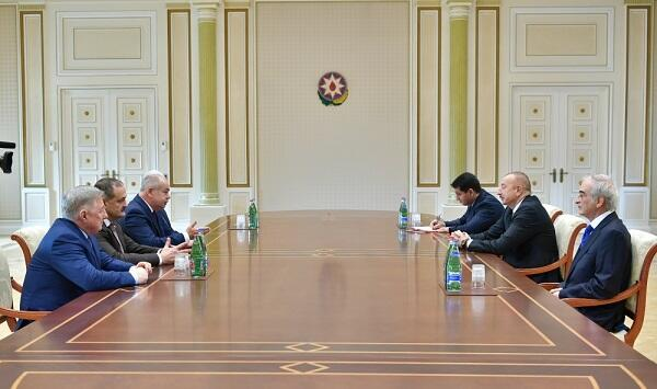 İlham Əliyev rusiyalı rəsmilərlə görüşdü
