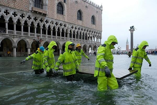 Venice flooded by the highest tide in 50 years -