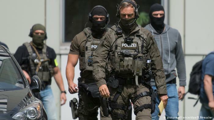 Almaniyada 2 türk kafesinə hücum edildi: ölənlər var
