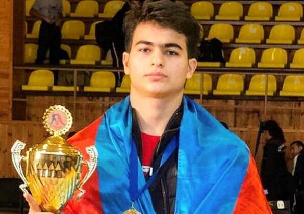 Bakı məktəblisi ermənini məğlub etdi, qızıl medal qazandı