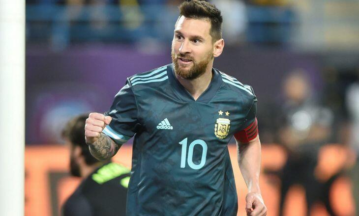 Гол Месси принес сборной Аргентины