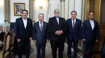 ایران و آذربایجان عالیملرینین امکداشلیغی گوجلندیریلمهلیدیر- آکادمیک