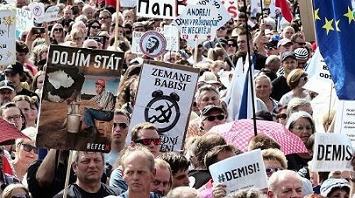В Праге митингующие выдвинули Бабишу ультиматум