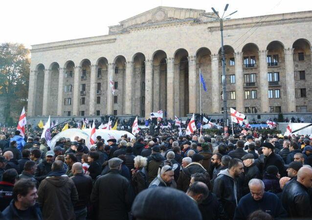 В Тбилиси назревает новый митинг