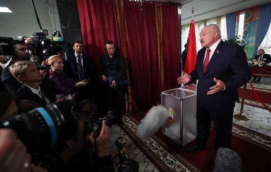 Лукашенко вновь будет баллотироваться в президенты