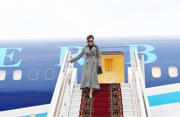 Мехрибан Алиева прибыла в Россию - Фото