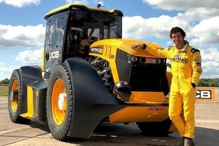 Dünyanın ən sürətli traktoru hazırlandı - Video