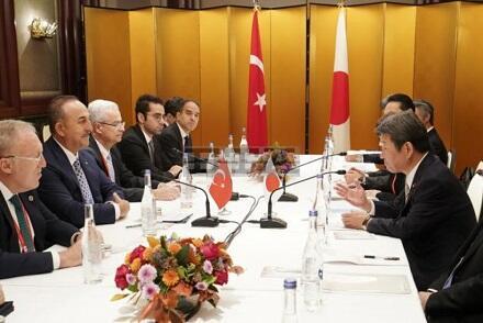 """Çavuşoğlu """"Doğan Günəş"""" ordeni ilə təltif edildi"""