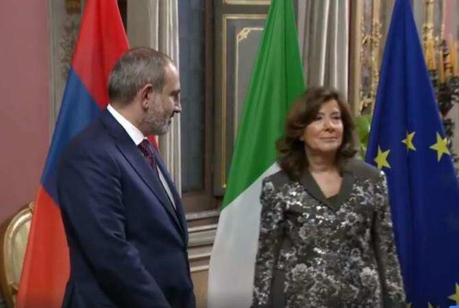Nikoldan diplomatik skandal: özünü rüsvay etdi - Video