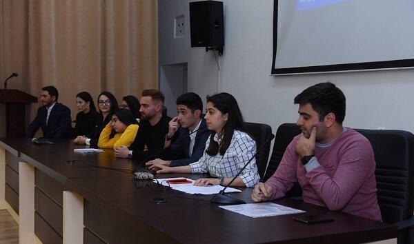 """Dillər Universitetinə yeni rektor """"təyin edildi"""" - 1 günlük"""