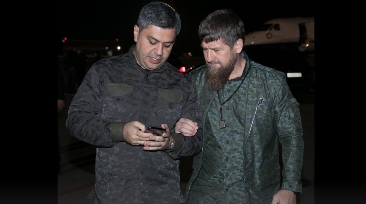 Kadırov erməni generalla - Foto