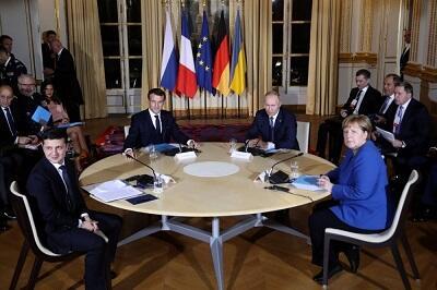 Putinlə Zelenskinin görüşü başladı - İlk dəfə