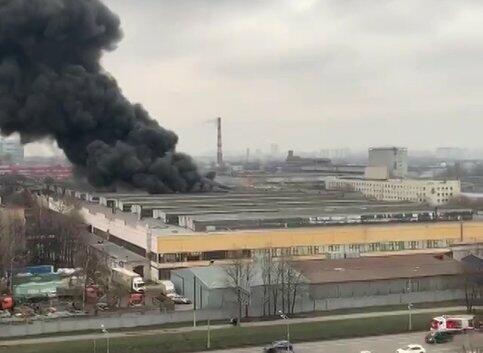 Крупный пожар в Москве ликвидирован - Видео