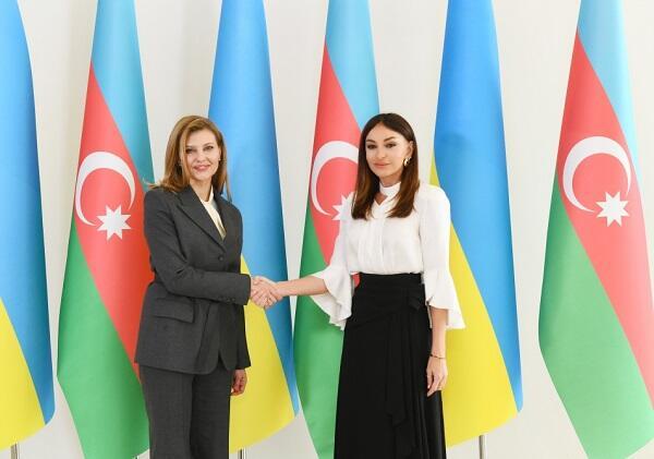 Mehriban Əliyeva Yelena Zelenskaya ilə görüşdü
