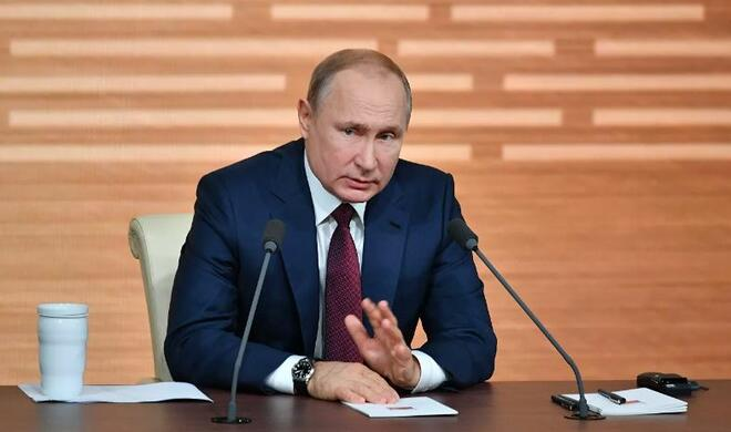 Peskov: Putin would work like this for another week