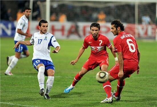 Названо время и место матча Турция-Азербайджан