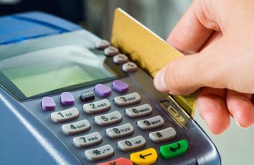 Услуги в медучреждениях будут оплачивать картами