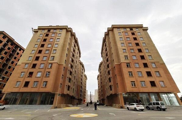 Satılmaq öhdəliyi ilə 213 mənzil kirayə verildi