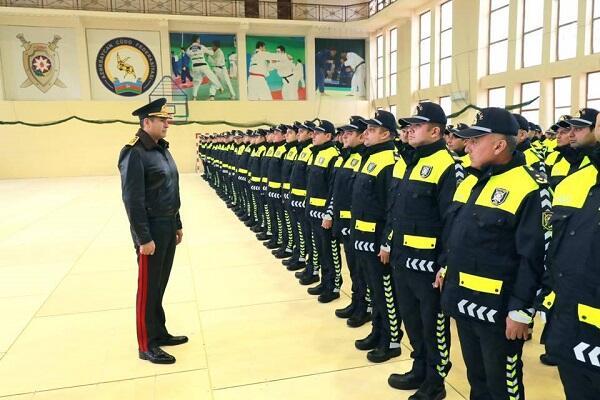 Nazir polislərin yeni formasına baxdı - Foto