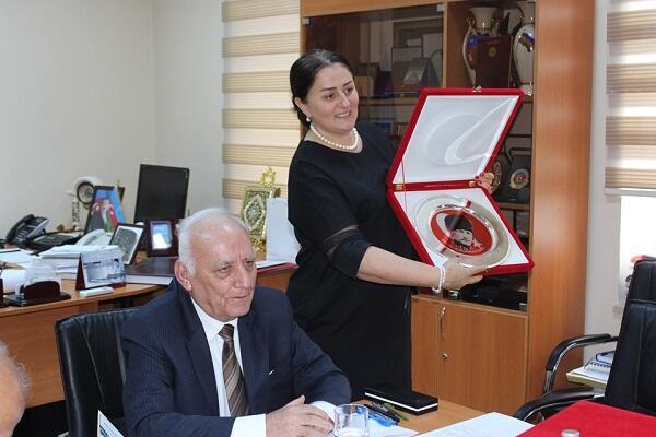Azərbaycanlı alimə Atatürk Mükafatı verildi - Foto