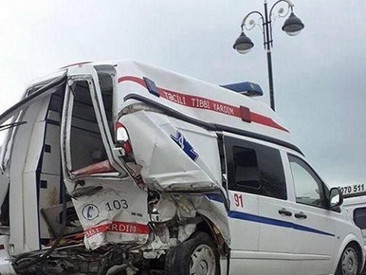 """На дороге Баку – Губа попали в аварию три """"скорые"""""""