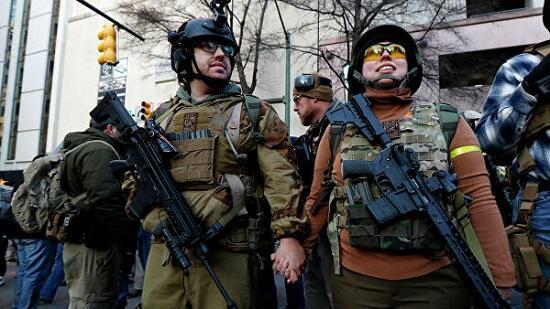 آمریکادا مینلرله سلاحلی کوچهلره چیخدی - اعتراض