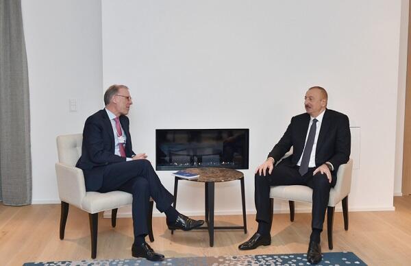 """Ильхам Алиев встретился с директором """"Carlsberg Group"""""""