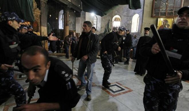 Как армяне захватили одну из главных святынь христиан – Фото
