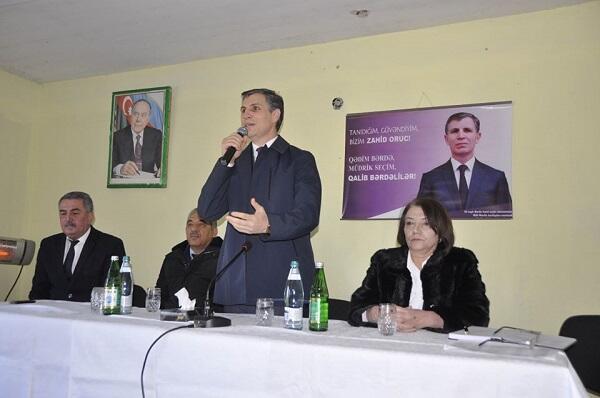 Zahid Oruc şikayətləri dinlədi, sakinlərə söz verdi - Foto