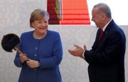 Ərdoğandan Merkelə iki maraqlı hədiyyə - Foto